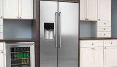 Counter-Depth Refrigerator with IQ-Touch® Controls