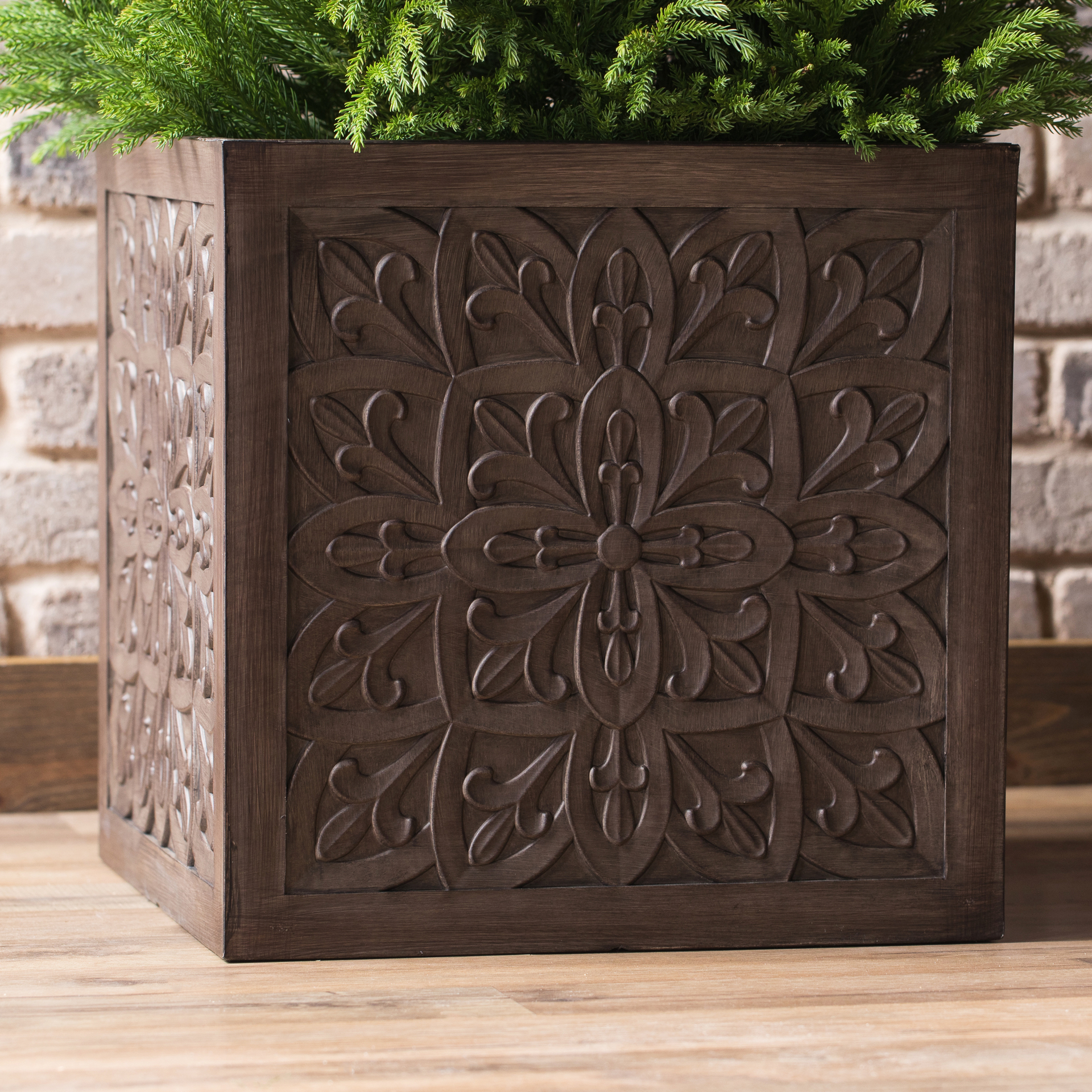 roth 13.95-in W X 14.93-in H Brown Resin Planter allen