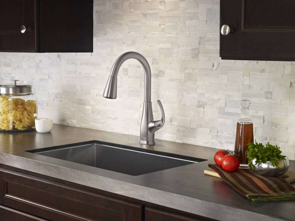 Selia 1-Handle Pull-Down Kitchen Faucet with Soap Dispenser in Stainless  Steel