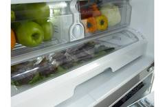 Interior Fruit and Vegetable Drawers