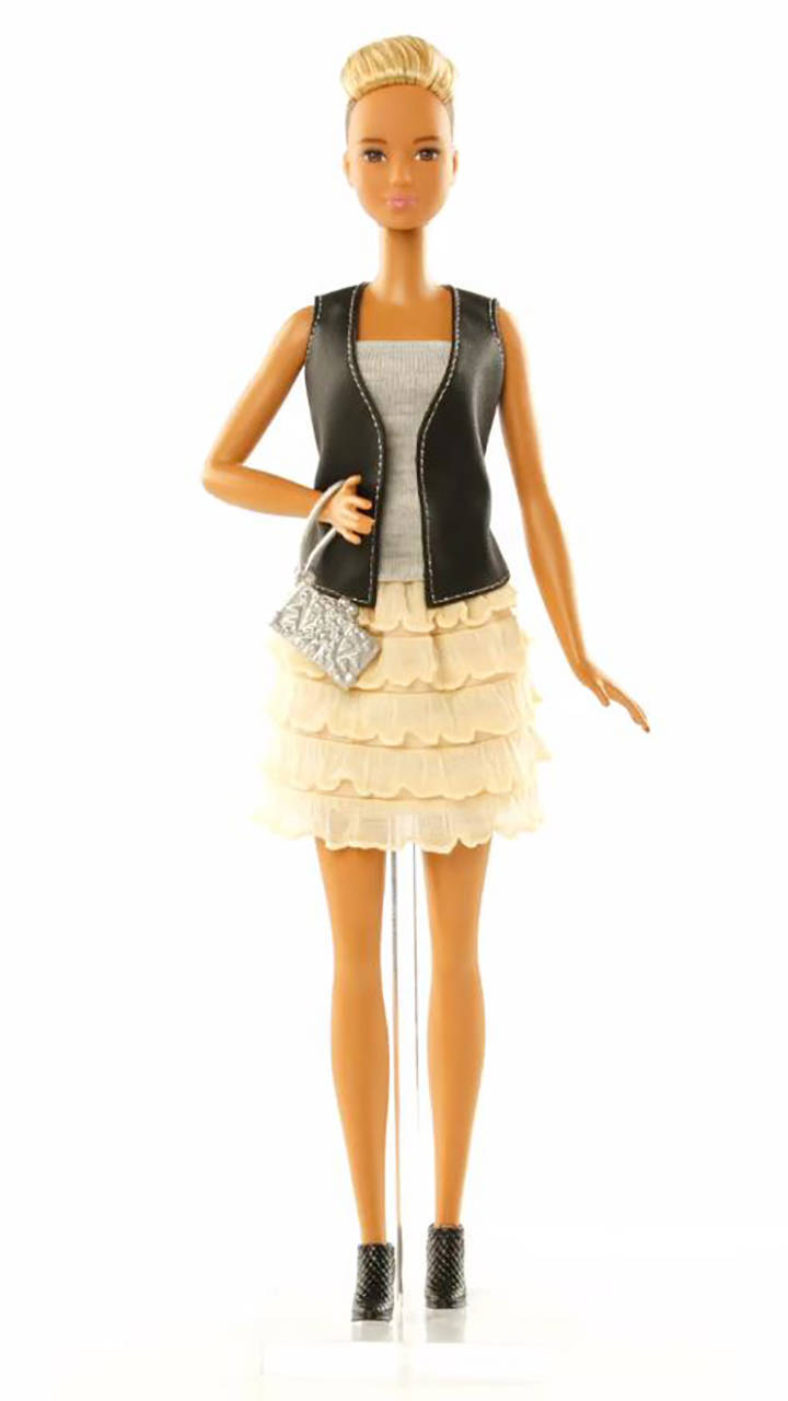 What 39 S In The Box Features Barbie Fashionistas